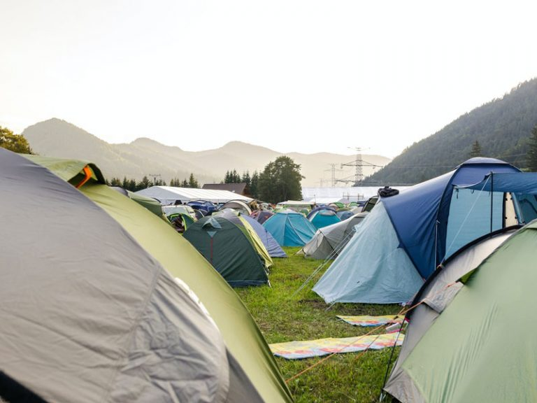How to Stay Dry When Camping